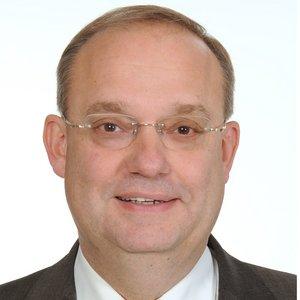 Dr Stefan Schröder